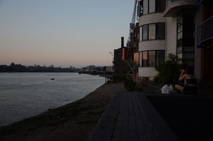 Couple Drinking Afternoon After Work Youth Group River Thames London Contrast