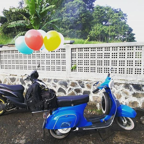 Job with my scooter Canon Canon_official Prewed Prewedding Preweddingindonesia Preweddingbandung Preweddingphoto Prewedd Preweddingphotography Preweddingpromo Love Loveit Mylove Bandungphotographer Bandungjuara Inspirasiphoto Inspirasiprewedding Explorebandung Seniphotography Seni Iniseniphoto Seniphotograph Instagood Instagram Streetphotography photo instawedding wedding weddingorganizer weddingoftheyear