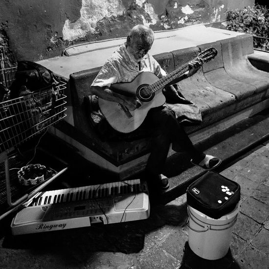24 Hour Project 24hourproject Bench Casual Clothing Day Elder Guitr Lifestyles Man Mexico Musician Night Old Outdoors Querétaro S Stationary