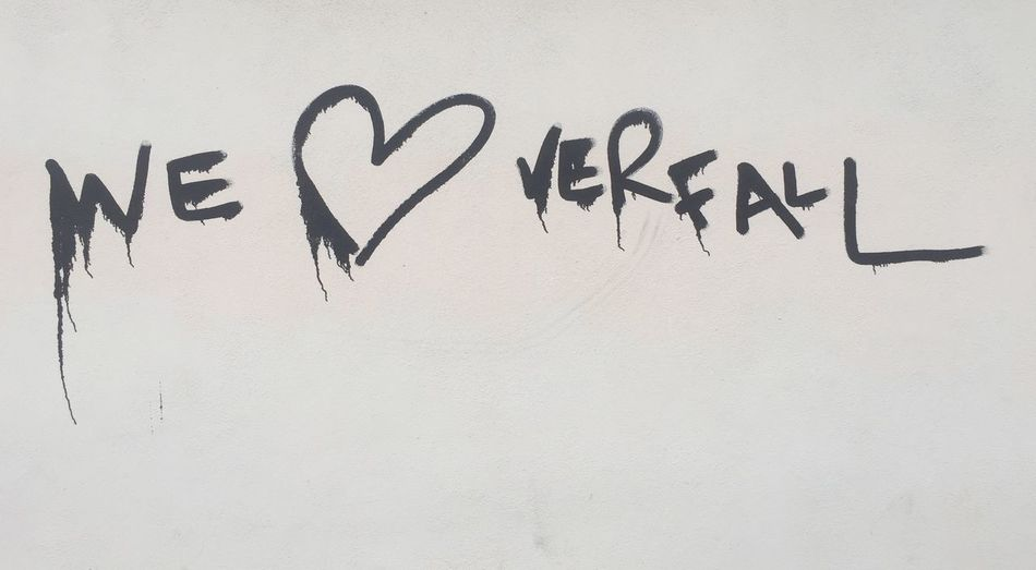 Berlin Black And White Blackandwhite Close-up Day Graffiti Grafiti Art Grafitti Handwriting  Heart Herz Liebe Love No People Simplicity Streetart Text Verfall
