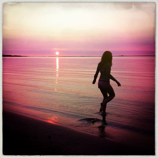 Sunset swim 25 Days Of Summer