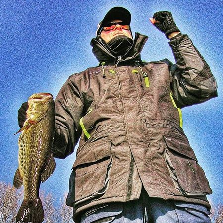 That time...When you have a Winter bass in the Hand...Emotions Bassfishing Wintertime Fishing Thewaterismystadium Westin WileyX Bluesprings Wileyxsunglasses ECXITED Fun