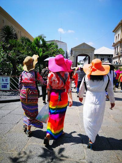 summery Asian  Thailand Bangkok Thai Multi Colored Full Length Togetherness Women Sunlight Boys Friendship Shadow Men Rear View Street Scene Summer Exploratorium
