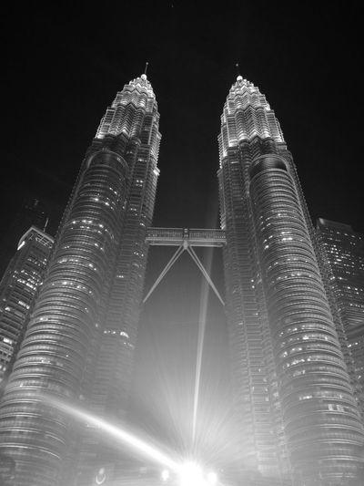 Petronas Twin Towers Nightshot Huawei Huawei P9 Photography City Architecture Travel Kuala Lumpur Malaysia Monochrome Bw Black And White Photography Illuminated Sky Close-up Skyscraper Tall - High Tower Cityscape Tall HUAWEI Photo Award: After Dark