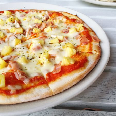 Pizza Italian Food Foodphotography Cheese Delicious Italian Food Pineapple Tomato Pan Gourmet Delivery Heroes