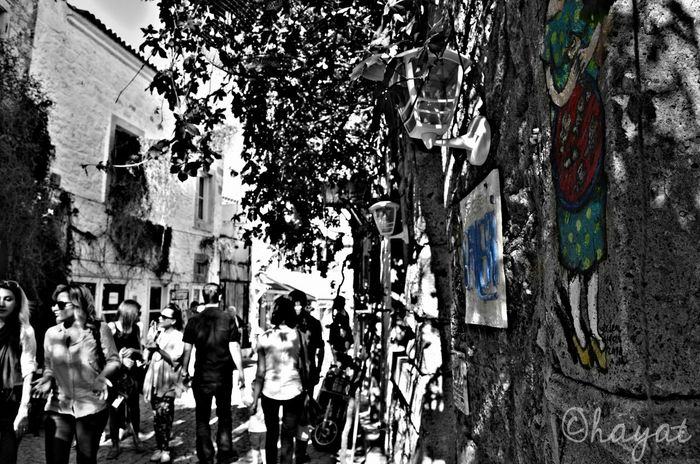 details makes different people. You should not just look at your own life, you should see the inside. Discover life, don't plan to go to adventure. let the river flow yourself. This is my story. 💙 Colorsplash Blackandwhite Black And White Taking Photos Mystory Mylife Urban Lifestyle Walking Around People People Watching