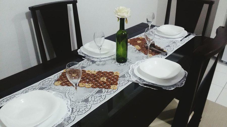 Em comemoração na companhia do meu amor, minha irma e meu cunhado. 🎆 🍷 ✨ 🍴 😉