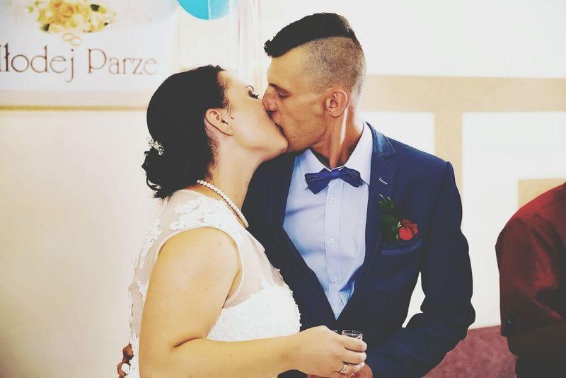 Love Kissing Romance Two People Men Wedding Happiness Bride First Eyeem Photo