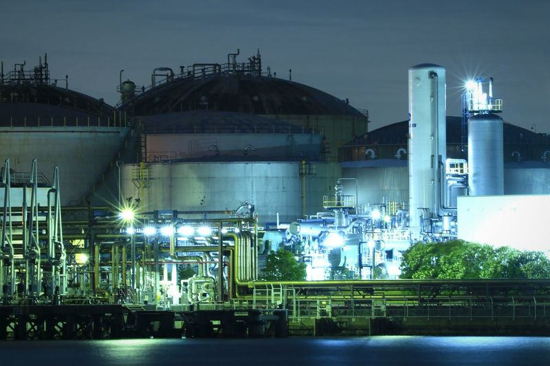 Oil Industry Industry Factory Oil Refinery Refinery Storage Tank Night Illuminated Landscape Kawasaki Japan Factory Night View Nightview Nightscape Nightpicture Nightphotography Industry Tanks Holders Piping