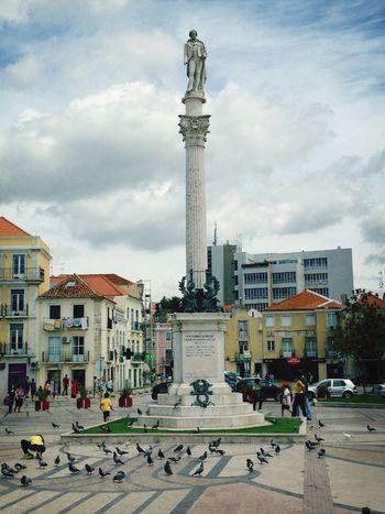 Statue Portugal Setubal Poet