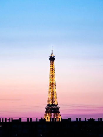 Love in the Air Fashion France Paris Pink Architecture Beautifulsky Built Structure Eiffeltower Frenchphotographer Landscape Loves_paris No People OnlyinParis Paris_photolovers Photography Roofofparis Rooftops Silhouette Sky Sunrise Sunset Sunsetlover Toureiffel Tower Travel Destinations
