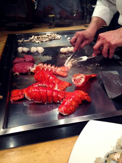 Dinner at Benihana London Japanese Restaurant! Incredibly well cooked LobsterTail, scallops and japanese Wagyubeef, Pleasure for your mouth. And of course,everything tastes better with the chef's show and entertainment!Japanese Food Foodporn Foodlover Teppanyaki Yummy♡