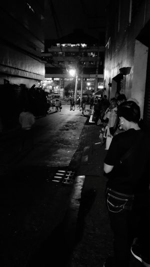 Street Night People Street Light Road Mobile Photography Walls Architecture Wall - Building Feature Waiting In Line