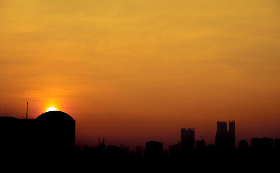 Sunkissed east City Sunrise Taftavenue Sky The Great Outdoors - 2017 EyeEm Awards Olympus OLYMPUS PEN E-P3 Eyeem Philippines Neighborhood Map