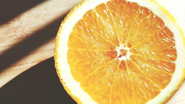 Citrus Fruit Fruit SLICE Lemon Close-up Juicy Healthy Eating Freshness Food No People Sour Taste Halved Indoors  Cross Section Orange - Fruit Refreshment Cooking Foodie Organic Food Organic Essen & Trinken Sunlight Foodblog Drink GMO