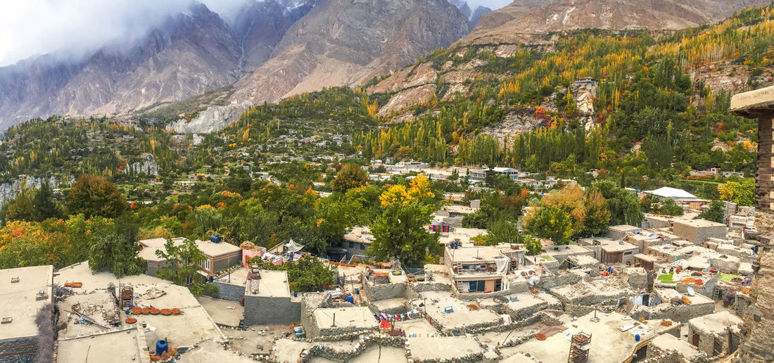 Landscape autumn view of altit village in hunza valley. gilgit baltistan, pakistan.