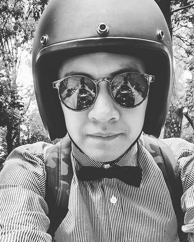 Gentleman rider Gentlemenmotoriderscrew Caferacer Rodando