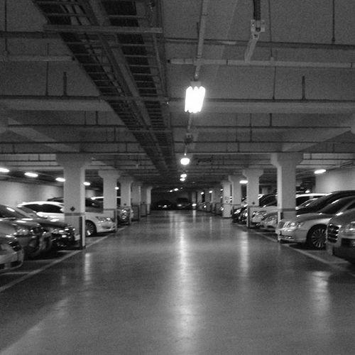 With Polaroid Snap 내가찍음 Polaroid Polaroidsnap Unprocessed Parkinglot Car Black Blackandwhite 폴라로이드 폴라로이드스냅 무보정 주차장 차 흑백