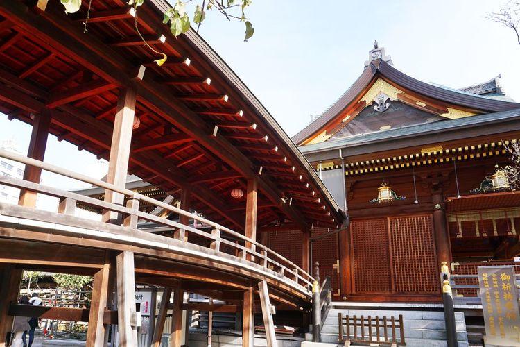 2015  Architecture Japan Red Religion Roof Shrine Tokyo Wood - Material Yushima Tenmangu 湯島天満宮 神社