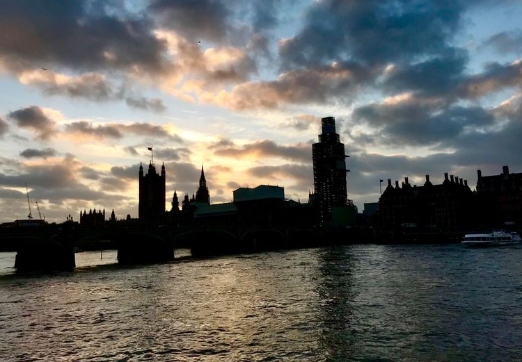 Westminster at dusk Dusk In The City Dusk IPhoneography IPhoneography London Parliament Building Westminster Sky Built Structure Building Exterior Architecture Cloud - Sky Water City Building Sunset Waterfront River Silhouette Outdoors No People Tower Cityscape