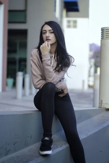 One Person Full Length Only Women Women City Young Women Young Adult Waiting Adult Business Adults Only People One Woman Only Business Finance And Industry Outdoors Beautiful Woman Businesswoman Beauty One Young Woman Only Day Dreaming