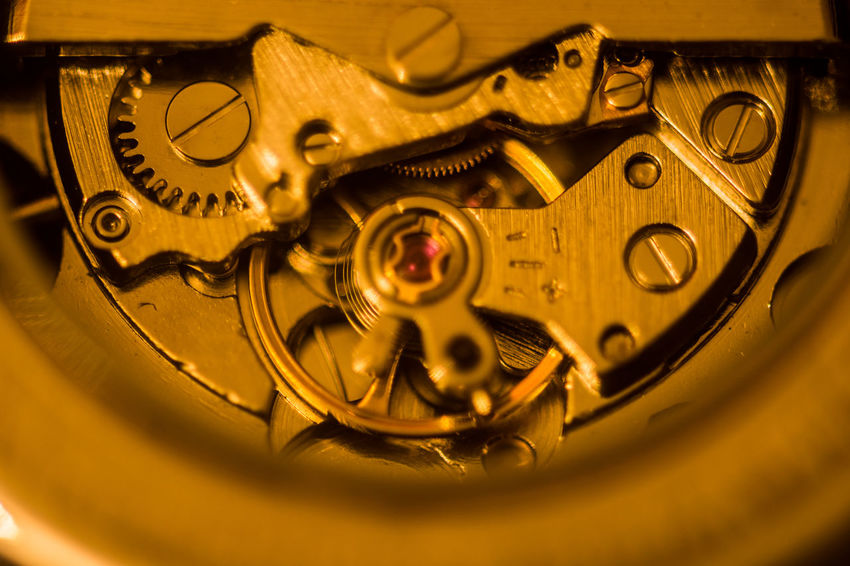 Creativity Creative Creative Photography Nikon D7200 Clock Clock Hand Ziffernblatt Time Close-up Still Life StillLifePhotography Still Life Photography Stillleben Metal Gold Colored Technology Indoors  Complexity Backgrounds Equipment Luxury Number 12 12 O'clock