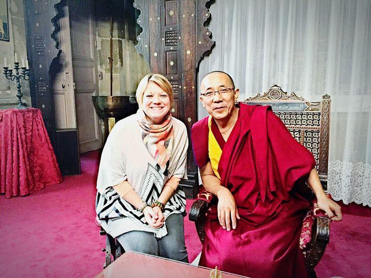 """Très belle journée de conférence, de méditations, de partages, de sourires, de rires, de sagesse, de bonté... magnifique rencontre, autant de choses qui me conforte dans mon choix de philosophie. Ma voie est celle du bouddhisme, le bouddhisme tibétain. ☝💚🍃🌸 """" Un objectif : le Bonheur. Deux chemins : la Compassion et la Sagesse. """" - Lama Samten 💚🙏👌☝🍀🍃 Bouddhisme Bouddhisme Tibétain LamaSamten Moine Spiritualité Tibet Tibetain Namaste Meditation Bouddha"""