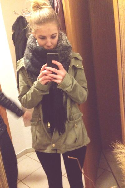 Winter Girl Germany