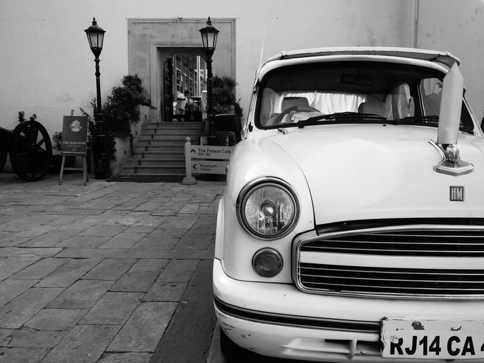 Джайпур. Резиденция India Jaipur Followme Follow Car Photography Photo Vintage Car Retro Styled No People EyeEmNewHere Black And White Friday