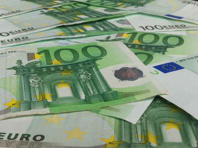 100 Euro Backgrounds Banknotes Close-up Currency Day Finance Geldscheine Indoors  No People Paper Currency Savings Wealth