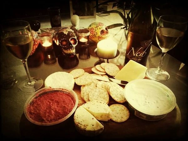 Golden Spread Cheese Crackers DIP Sugarskull Mexico Wineanddine Wineandcheese Kiwibawse Oneillsnapz