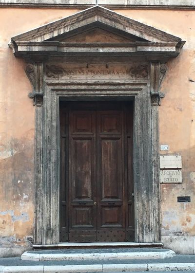 Built Structure Architecture Building Exterior Closed Door History Historic Exterior Stone Material Outdoors Entrance Day In Front Of Façade Roma Doors From The Past Doorporn Italy Old Old Buildings Architecture Doorway Character Old Door Ancient