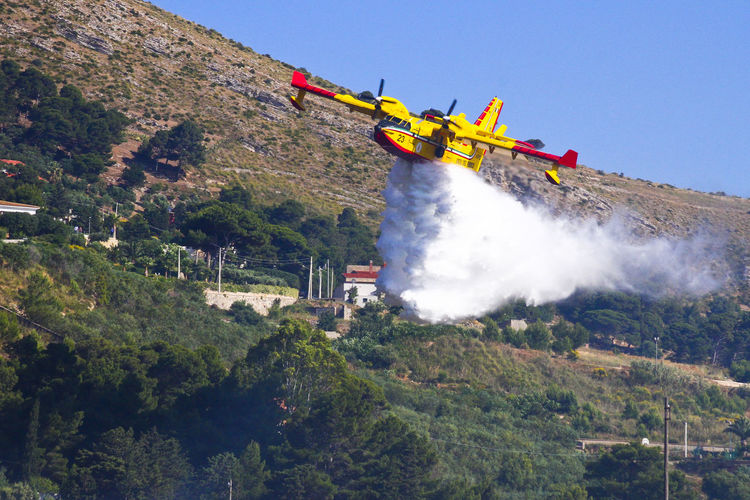Viking Air 415 in action Aeronautica Viking Air 415 Day Fire Fire Fighters Fireman Mountain Nature No People Outdoors