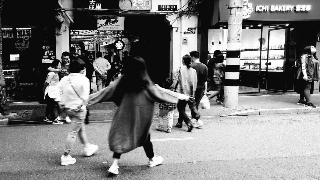 Monochrome Monochrome Photography B&w B&w Street Photography Street Photography Tianzifang Shanghai China Capture The Moment Street Scenes Black And White Black & White Black And White Photography Capturing Freedom Watching People EyeEm Best Shots See The World Through My Eyes Like A Bird Girl Power City Life Local Life China In My Eyes Snap a Stranger Exploring New Ground What Who Where Women Around The World Welcome To Black Black And White Friday
