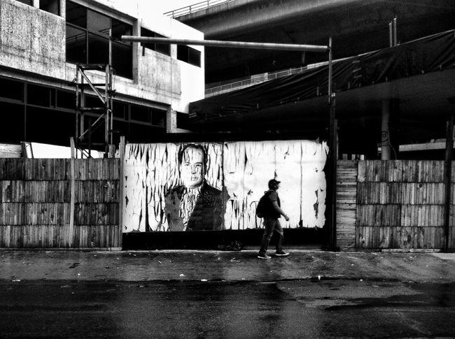 Mexico City, México. 2015. ©Gustavo Mondragon ©La Calle Foto Lacallefoto Latinstreetcollective Latinstreetphoto Cdmx Streetphoto_bw Streetart Citywalls Streetsmexicocity Lumixg3 The Street Photographer - 2015 EyeEm Awards