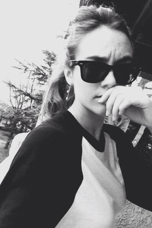Sunglasses makes me look angry Taking Photos Hi! That's Me Girl