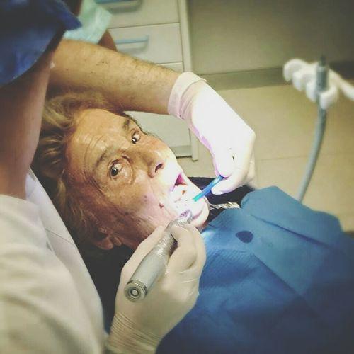 Stupore Dentista Stupore Nonna Maldidenti