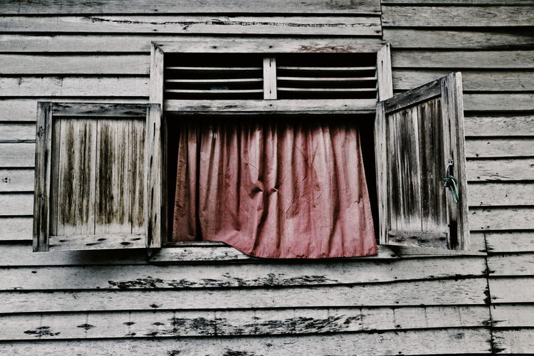 Shutter Corrugated Iron Built Structure Architecture Weathered Window Building Exterior No People Pattern Close-up Ghetto Outdoors EyeEmNewHere The Week On EyeEm