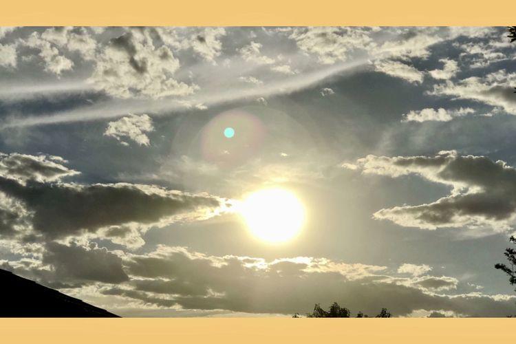 Beautiful sunset tonight from home ☀️🍃💛🍃🌞 Sunsettonight BeautifulSunset Nature Dramaticskies Interestingclouds Home ☀️🍃☀️