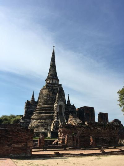 #Famous of thailand Famous Place Beautiful Place Old Buildings Old Town Wat Ayutthaya Temple Architecture Built Structure Building Exterior Religion Place Of Worship Spirituality Building Sky History The Past Travel Destinations Travel No People Cloud - Sky Nature Outdoors