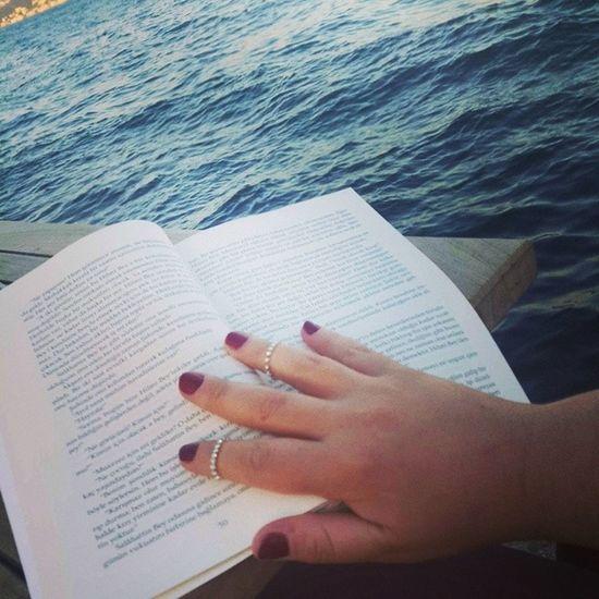 Kitap Lesen Read Kurkmantolumadonna sabahattinali tea cay buch istanbul constantinapolis huzur mutluluk happytime happy kuyucaklıyusuf hand el yüzük
