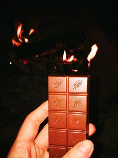 Sweet breaks 🍫 Kindercereali Kinderchocolate Chocolatebars Kinder Kinderlover Sweetness Tastyfood Tasty Yummy Chocolatepower Foodporn Inlove Fireplace Colddays Winter Wormy Chilling ✌