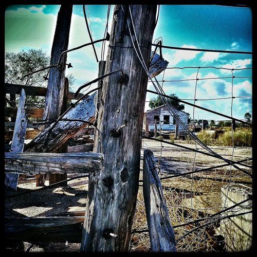 An old bunkhouse an catch pen. Bunkhouse Loadingchute Oldwood Fencing Arizona EyeEm Arizona Casagrande Casagrande Fencepost