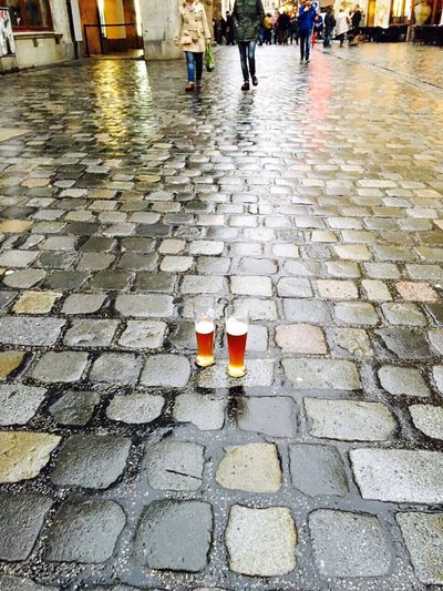 Drink Cobblestone Food And Drink Day Stone Tile Outdoors München Bier Beer Sör Rainy Days Rain Eso Pioggia Beer On The Floor