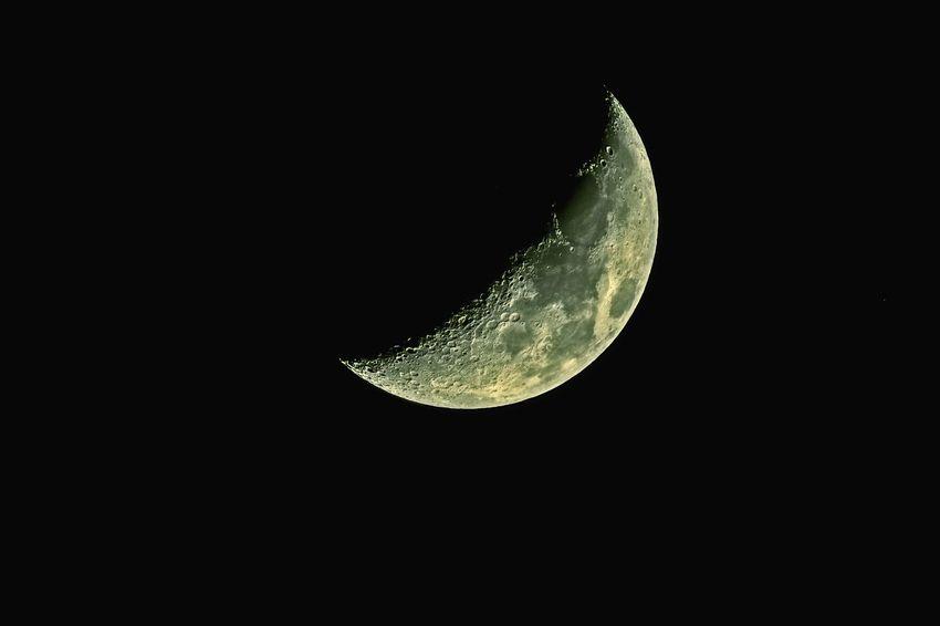 Moon Night Astronomy Sky Nightphotography Canonphotography Space And Astronomy Canary Islands Astrophotography Nightshot Desde La Ciudad Lunalunera Space Telescope Ciudad De Noche