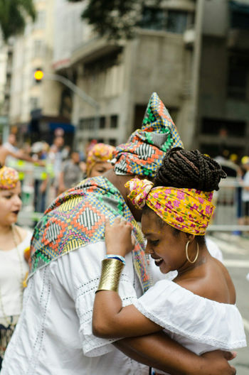 Carnival Crowds And Details Cultures Adults Only Lifestyles Adult Only Women Outdoors Traditional Clothing People Close-up Day Human Body Part Carnival Oba Inã Arts Culture And Entertainment Stage - Performance Space Performing Arts Event Gold Colored Dancing Ballet Dancer