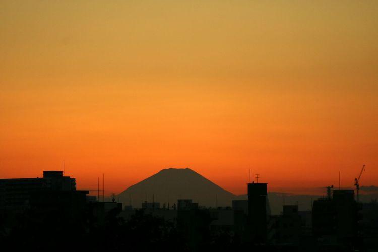 Sunset Silhouette Sky Tokyo Orangesky Graduation Sunset_collection Japan Mountain Fuji Mtfuji Orange Color Sunsets Evening Glow