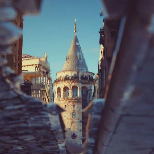 Yeni lensle ilk fotoğraf 😄 Canon 700D - Tamron 17-50 Galata Kulesi, 2015 Galata New Lens Tower Istanbul City Canon 700D Tamron Photography Turkey Sky Blue Sunset Reflection