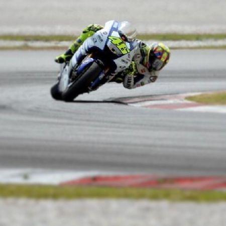 Great pic ! Valentino Sepang Yamaha