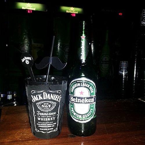 Saudades de ontem... mas ano que vem a gente comemora outra vez o Mrjacksbirthday tomando Whisky e cerveja no Work ... ne? @orbitabar Beer backstage bar Brasil Fortaleza mrjacksbirthdaybr heineken